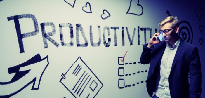 8 Bad Habits That Seriously Hurt Your Work Productivity